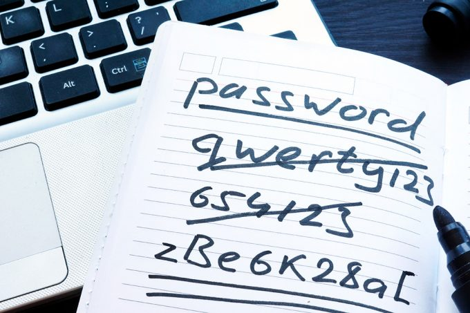 Un administrador de claves permite dejar el peligroso hábito de usar la misma en distintos servicios
